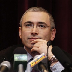 Mikhail Khodorkovsky, former Russian oligarch and opponent to Putin, has been a victim of the political use of Justice in Russia. Last Wednesday, he celebrated his 50th birthday in jail. This event sadly coincides with the 10th year during which he has been detained in jail