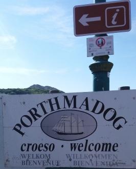 Porthmadof sign
