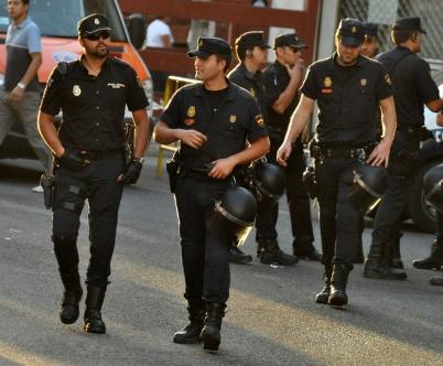 Spainish Police credit copsadmireratyahoodotes